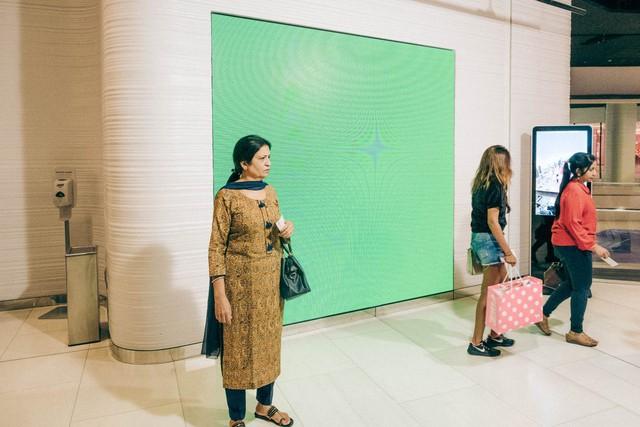 Bỏ 40 USD lên toà nhà cao nhất địa cầu ở Dubai, du khách ước mình không mua vé - Ảnh 8.