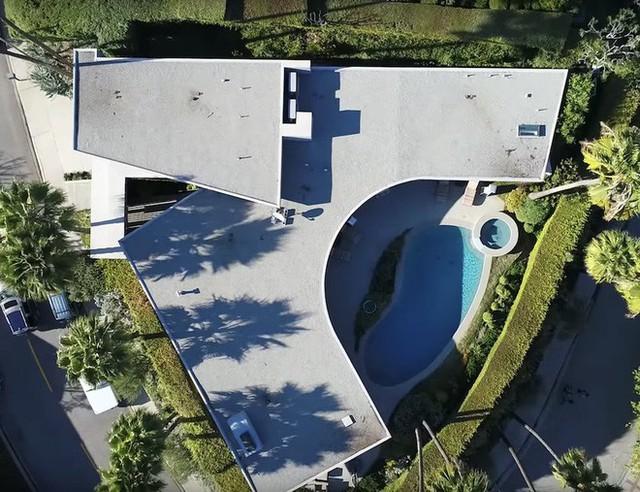 Đến thăm căn dinh thự trị giá 4.5 triệu USD đang được Elon Musk đăng bán - Ảnh 2.