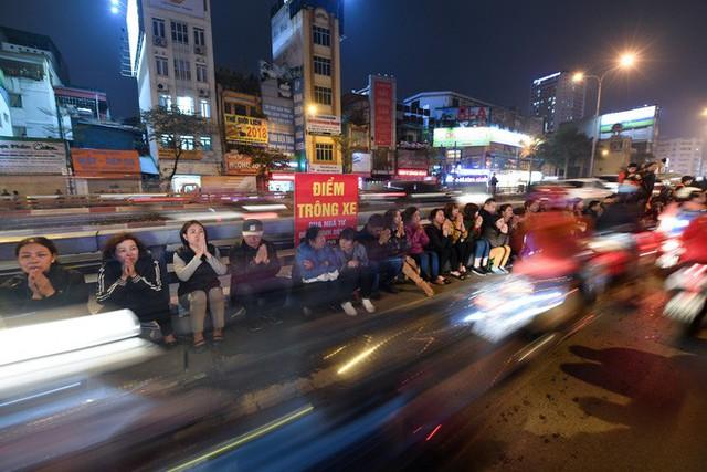 Hàng nghìn người chen chân dâng sớ cúng giải hạn sao La Hầu tại chùa Phúc Khánh - Ảnh 15.