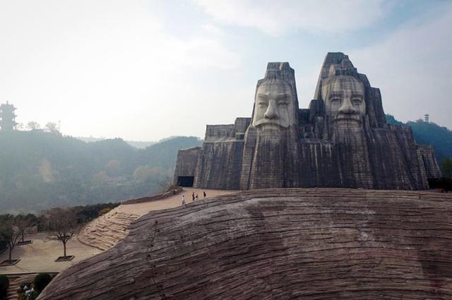 Bí ẩn đằng sau trào lưu xây các tượng Phật khổng lồ lớn nhất thế giới của Trung Quốc - Ảnh 3.