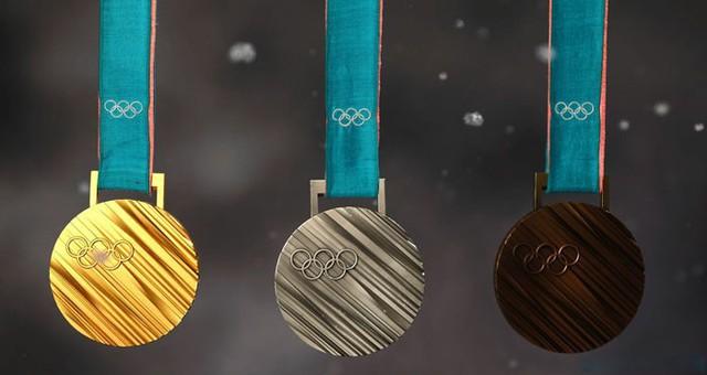Nhật Bản kêu gọi người dân quyên góp ve chai để đúc huy chương Olympic 2020 - Ảnh 1.