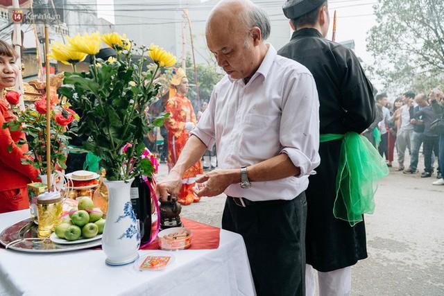 Độc đáo lễ hội trai giả gái nhảy điệu con đĩ đánh bồng ở Hà Nội - Ảnh 16.
