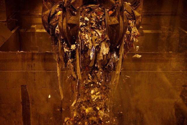Nghệ thuật xử lý rác ở đất nước siêu sạch Singapore: 90% rác biến thành điện, 10% trở thành đảo du lịch - Ảnh 15.