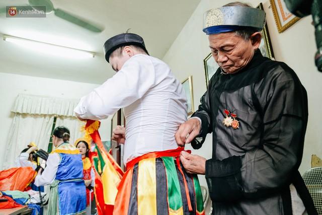 Độc đáo lễ hội trai giả gái nhảy điệu con đĩ đánh bồng ở Hà Nội - Ảnh 17.