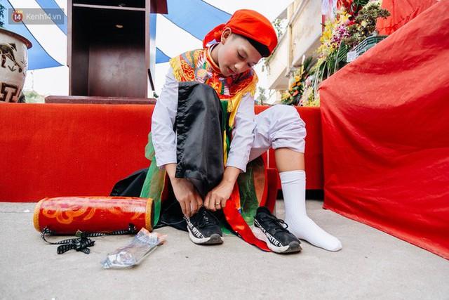 Độc đáo lễ hội trai giả gái nhảy điệu con đĩ đánh bồng ở Hà Nội - Ảnh 19.