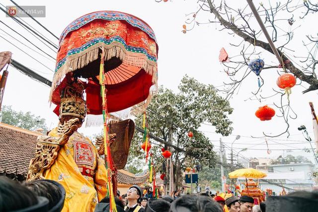Độc đáo lễ hội trai giả gái nhảy điệu con đĩ đánh bồng ở Hà Nội - Ảnh 23.