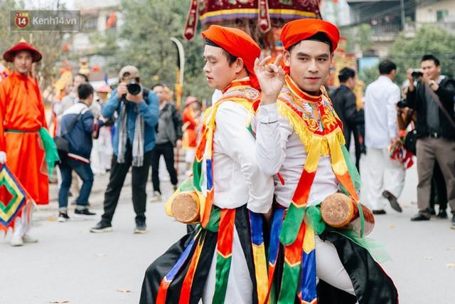 Độc đáo lễ hội trai giả gái nhảy điệu con đĩ đánh bồng ở Hà Nội - Ảnh 28.