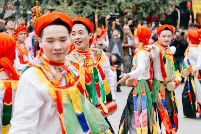 Độc đáo lễ hội trai giả gái nhảy điệu con đĩ đánh bồng ở Hà Nội - Ảnh 29.