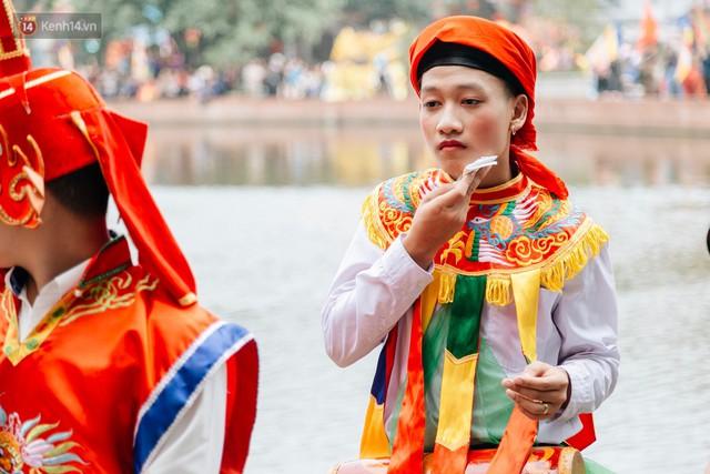 Độc đáo lễ hội trai giả gái nhảy điệu con đĩ đánh bồng ở Hà Nội - Ảnh 35.