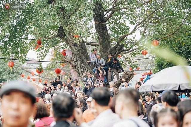 Độc đáo lễ hội trai giả gái nhảy điệu con đĩ đánh bồng ở Hà Nội - Ảnh 37.