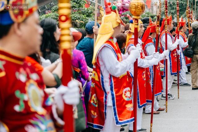 Độc đáo lễ hội trai giả gái nhảy điệu con đĩ đánh bồng ở Hà Nội - Ảnh 6.