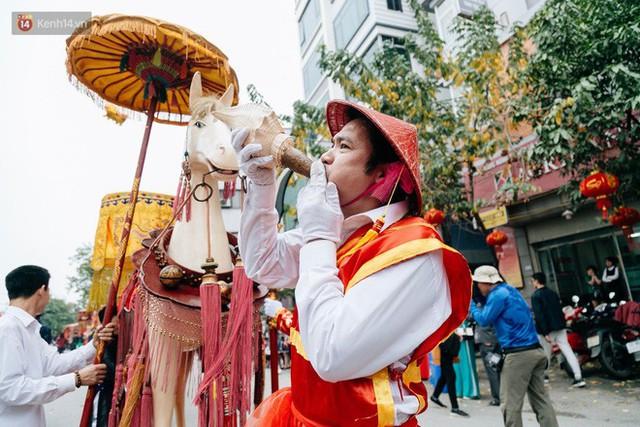 Độc đáo lễ hội trai giả gái nhảy điệu con đĩ đánh bồng ở Hà Nội - Ảnh 7.