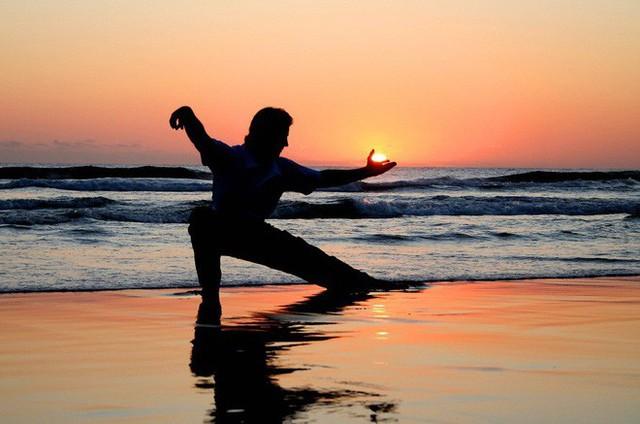Quy tắc động – tĩnh: Bí quyết dưỡng sinh kỳ diệu thời cổ xưa đang thành trào lưu mới - Ảnh 1.
