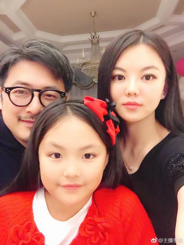 Tháo chạy khỏi tài phiệt phá sản, 13 năm sau nữ MC nổi tiếng Trung Quốc nhận được câu nói chua chát này từ tình cũ - Ảnh 3.