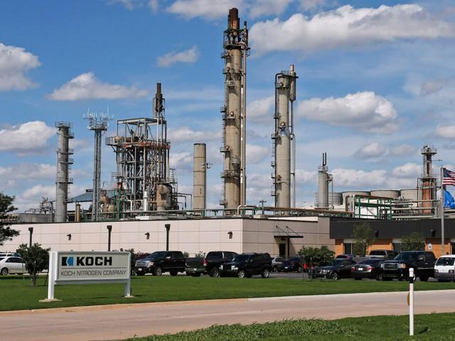 Con đường thành tỷ phú của Charles Koch - chủ tịch công ty tư nhân lớn thứ 2 Mỹ - Ảnh 3.