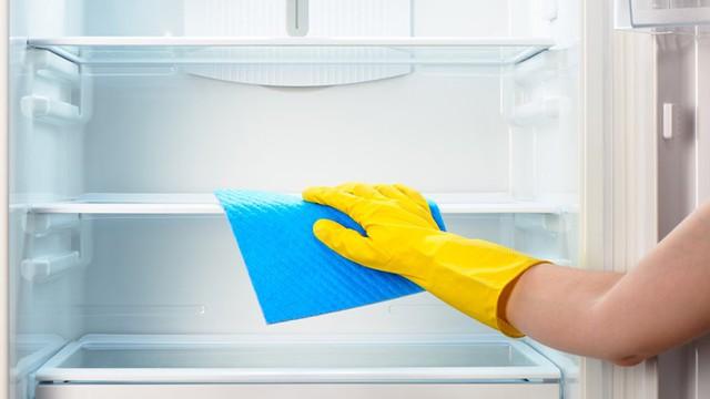 Cách vệ sinh điện thoại, laptop, tủ lạnh, máy giặt... để đón Tết - Ảnh 4.