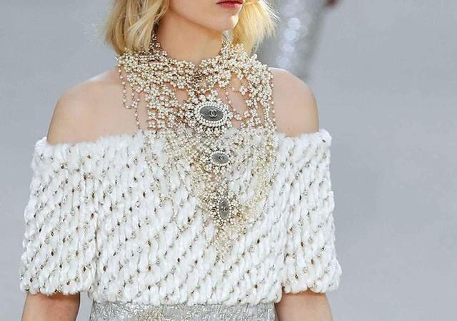Nếu không có Karl Lagerfeld, Chanel đã không trở thành một đế chế bất bại như ngày hôm nay - Ảnh 2.
