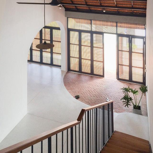 Ngôi nhà mái ngói đất nung, phong cách cổ xưa độc đáo ở TP HCM - Ảnh 5.