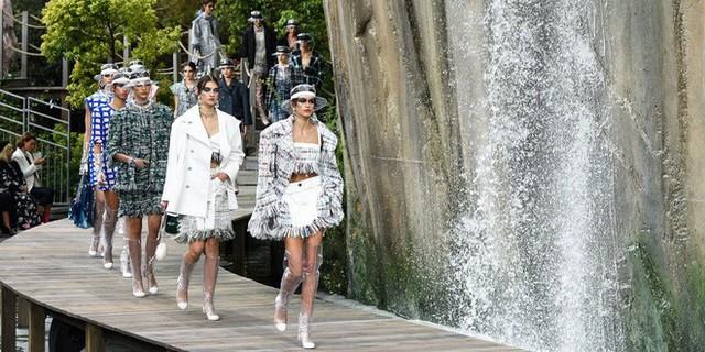 Nếu không có Karl Lagerfeld, Chanel đã không trở thành một đế chế bất bại như ngày hôm nay - Ảnh 10.