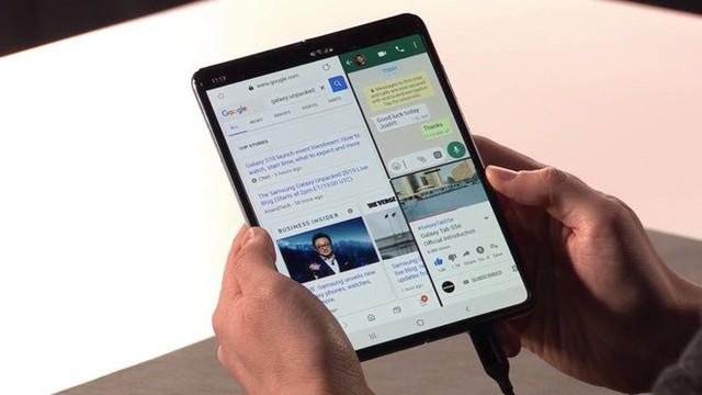 Ngân hàng uy tín Goldman Sachs không nghĩ Apple có thể cạnh tranh với Galaxy Fold của Samsung - Ảnh 2.
