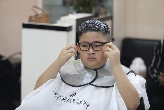 Nổi tiếng sau một đêm vì quá giống ông Kim Jong Un, cậu bé Việt lên báo ngoại, được mời chụp ảnh quảng cáo - Ảnh 4.