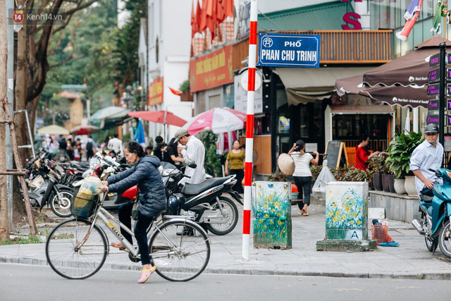 Chuyện buồn về những tủ điện sắc màu ở Hà Nội bị bôi bẩn: Chúng tôi mất 4 ngày tô vẽ, những người khác chỉ mất 3 giây để làm nó lem luốc - Ảnh 6.