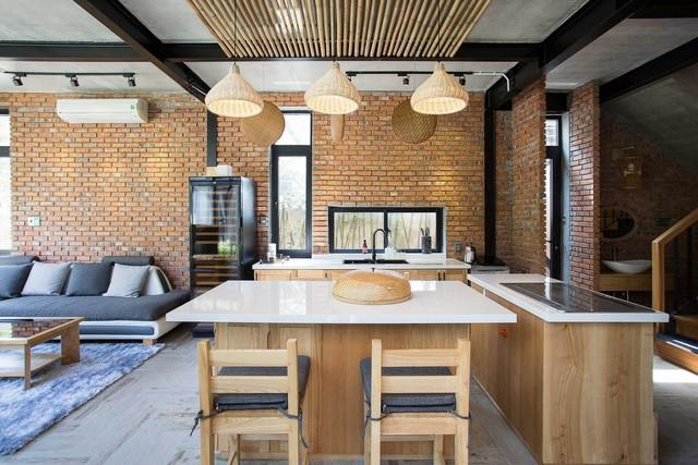 Tiền nhiều để làm gì: Muốn sống chung cả đời, hai gia đình xây biệt thự song lập ở Đà Nẵng - Ảnh 8.