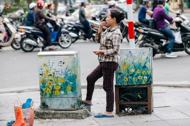 Chuyện buồn về những tủ điện sắc màu ở Hà Nội bị bôi bẩn: Chúng tôi mất 4 ngày tô vẽ, những người khác chỉ mất 3 giây để làm nó lem luốc - Ảnh 10.