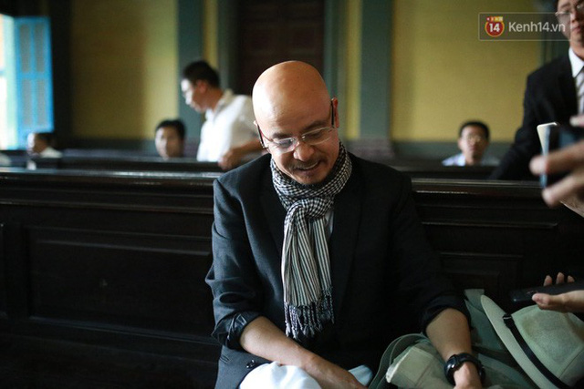 Tiếp tục xét xử vụ tranh chấp của vợ chồng vua cà phê Trung Nguyên: Đại diện VKS đề nghị giải quyết ly hôn theo pháp luật - Ảnh 2.