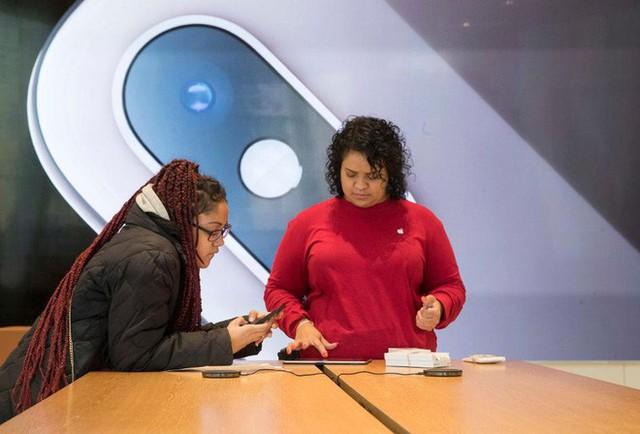 Apple đang ngày càng trở nên giống với gã khổng lồ phần mềm Microsoft, và phía trước chỉ có thành công - Ảnh 1.
