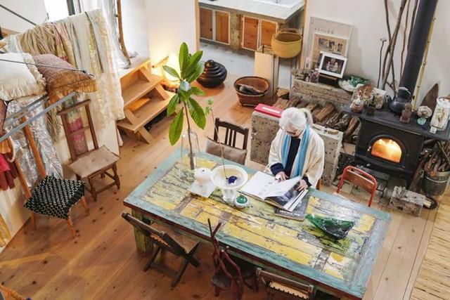 Cụ bà 76 tuổi yêu thích đọc sách, nấu ăn, sống gần thiên nhiên trong ngôi nhà thôn quê rộng 400m² ở Nhật Bản - Ảnh 13.