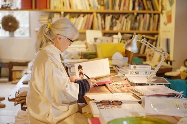 Cụ bà 76 tuổi yêu thích đọc sách, nấu ăn, sống gần thiên nhiên trong ngôi nhà thôn quê rộng 400m² ở Nhật Bản - Ảnh 14.