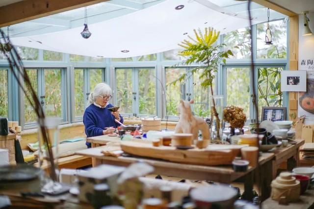 Cụ bà 76 tuổi yêu thích đọc sách, nấu ăn, sống gần thiên nhiên trong ngôi nhà thôn quê rộng 400m² ở Nhật Bản - Ảnh 3.
