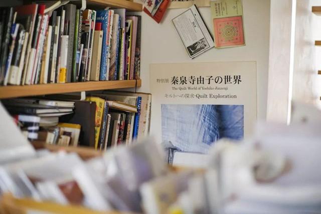 Cụ bà 76 tuổi yêu thích đọc sách, nấu ăn, sống gần thiên nhiên trong ngôi nhà thôn quê rộng 400m² ở Nhật Bản - Ảnh 30.