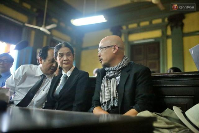 Tiếp tục xét xử vụ tranh chấp của vợ chồng vua cà phê Trung Nguyên: Đại diện VKS đề nghị giải quyết ly hôn theo pháp luật - Ảnh 5.