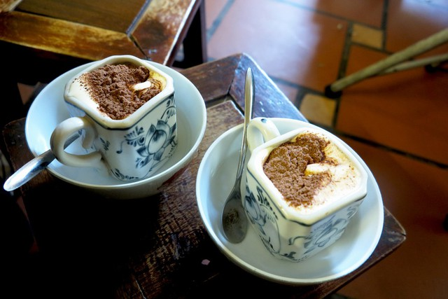 CNN lên list đặc sản nhất định phải thử tại Hà Nội, nhân hội nghị thượng đỉnh Mỹ - Triều 2019: Cafe trứng Giảng, bánh tôm Hồ Tây, chả cá Lã Vọng… - Ảnh 1.