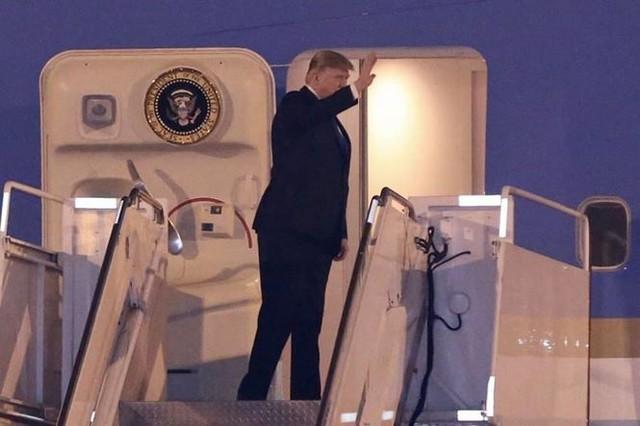 Đoàn xe Tổng thống Mỹ Trump về khách sạn JW Marriott - Ảnh 11.