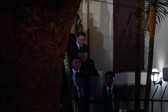 [ẢNH] Chủ tịch Kim Jong Un thăm Đại sứ quán Triều Tiên trong ngày đầu tiên đến Hà Nội - Ảnh 12.