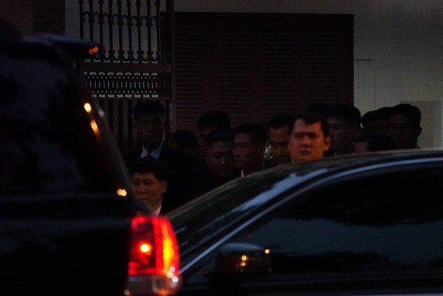 [ẢNH] Chủ tịch Kim Jong Un thăm Đại sứ quán Triều Tiên trong ngày đầu tiên đến Hà Nội - Ảnh 13.