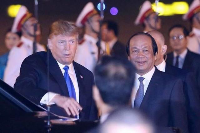Đoàn xe Tổng thống Mỹ Trump về khách sạn JW Marriott - Ảnh 14.