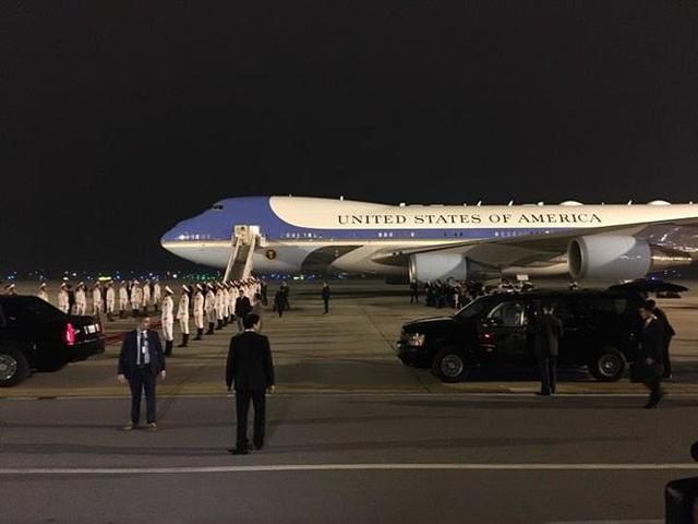 Đoàn xe Tổng thống Mỹ Trump về khách sạn JW Marriott - Ảnh 15.