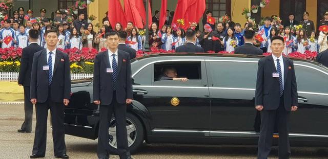 Siêu xe bọc thép Mercedes S600 đưa chủ tịch Kim Jong-un từ Đồng Đăng về Hà Nội có gì đặc biệt? - Ảnh 3.
