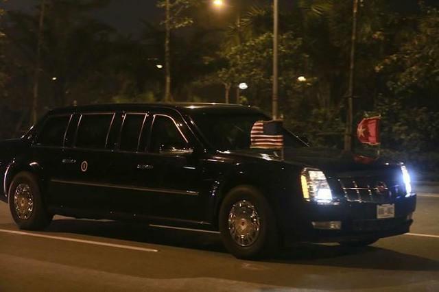 Đoàn xe Tổng thống Mỹ Trump về khách sạn JW Marriott - Ảnh 8.