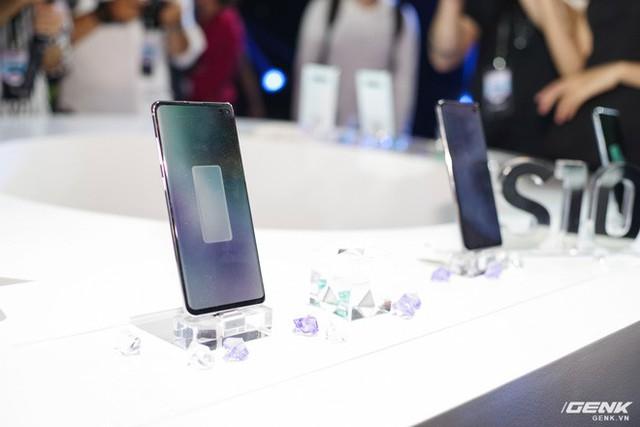 Bộ ba Galaxy S10 chính thức ra mắt ở Việt Nam: giá khởi điểm từ 16 triệu , cao nhất 34 triệu - Ảnh 4.