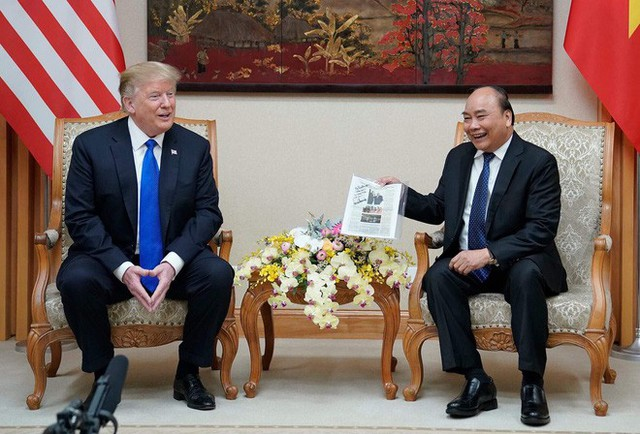 TT Trump rời Văn phòng Chính phủ sau bữa trưa làm việc cùng Thủ tướng Nguyễn Xuân Phúc, chuẩn bị trở về khách sạn - Ảnh 5.