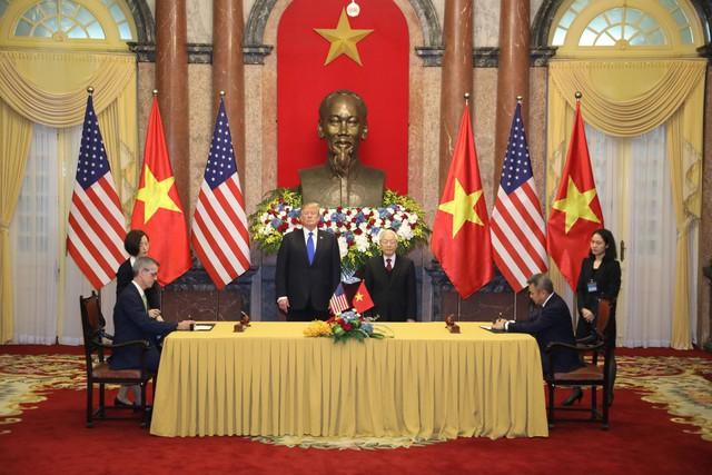 Việt Nam và Mỹ ký hợp tác kinh tế 21 tỷ USD dịp hội nghị Mỹ - Triều - Ảnh 2.