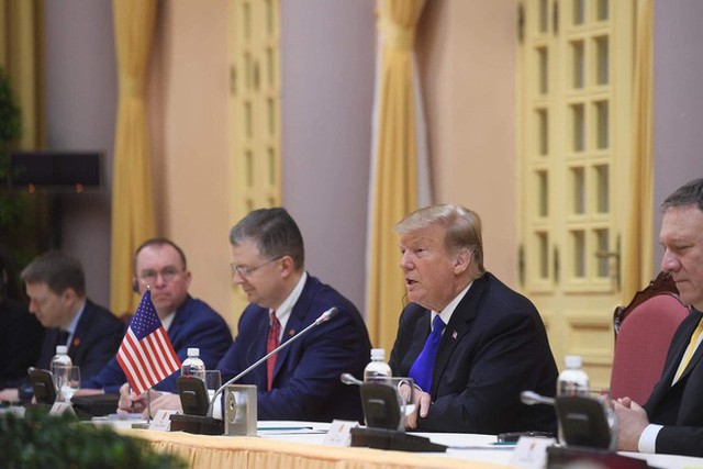 TT Trump rời Văn phòng Chính phủ sau bữa trưa làm việc cùng Thủ tướng Nguyễn Xuân Phúc, chuẩn bị trở về khách sạn - Ảnh 17.