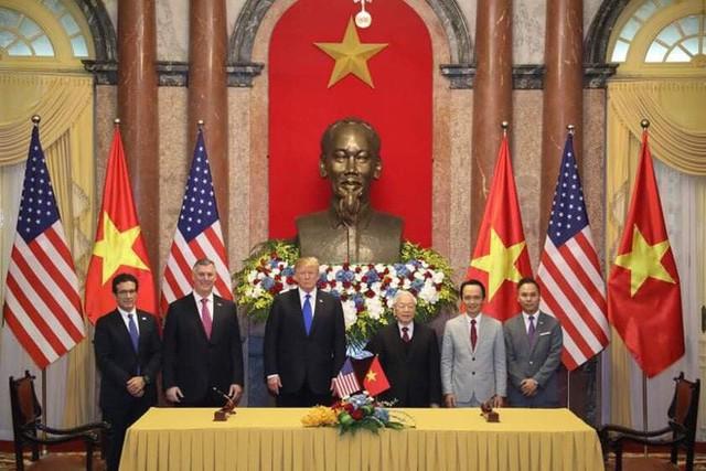 TT Trump rời Văn phòng Chính phủ sau bữa trưa làm việc cùng Thủ tướng Nguyễn Xuân Phúc, chuẩn bị trở về khách sạn - Ảnh 21.