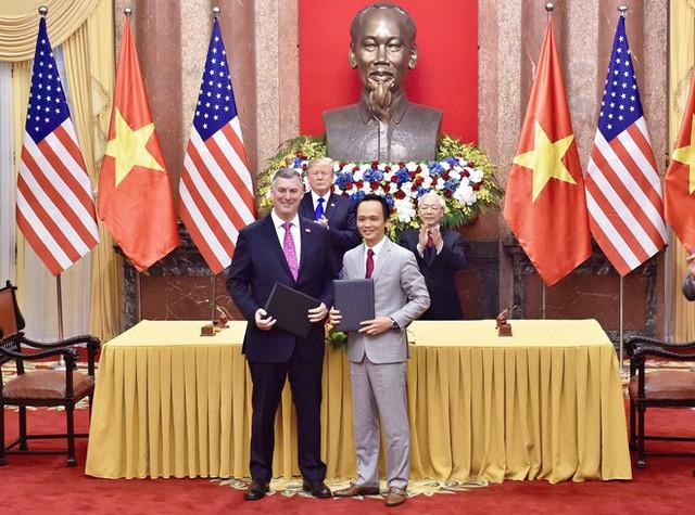TT Trump rời Văn phòng Chính phủ sau bữa trưa làm việc cùng Thủ tướng Nguyễn Xuân Phúc, chuẩn bị trở về khách sạn - Ảnh 23.