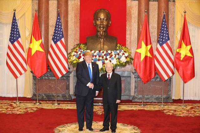 TT Trump rời Văn phòng Chính phủ sau bữa trưa làm việc cùng Thủ tướng Nguyễn Xuân Phúc, chuẩn bị trở về khách sạn - Ảnh 27.